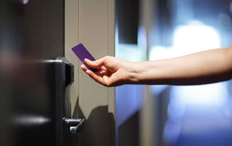 Wie sicher sind RFID-Schließsysteme für Hoteltüren?