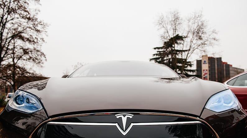 Tesla – wenn die Liebe zum Auto unter die Haut geht