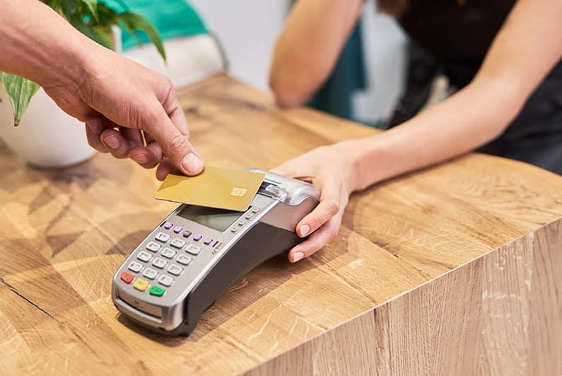 Kontaktlos zahlen - wie sicher ist die RFID-Methode?